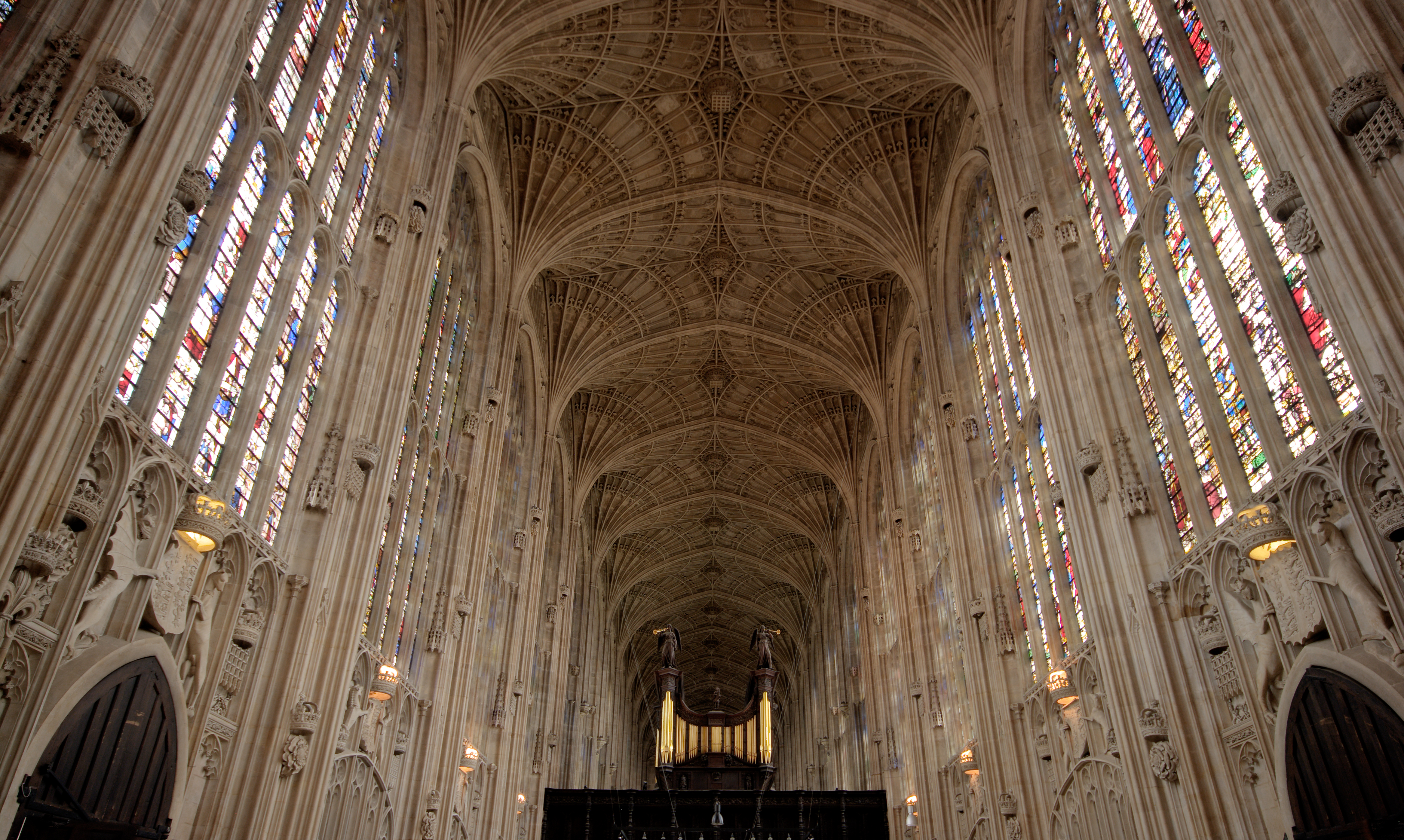 the roof of medieval gothic structured king's college chapel in cambridge unviersity